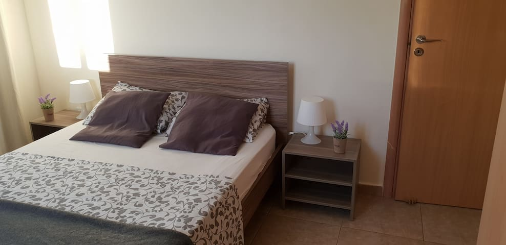 Modern furnished 2 bedroom flat