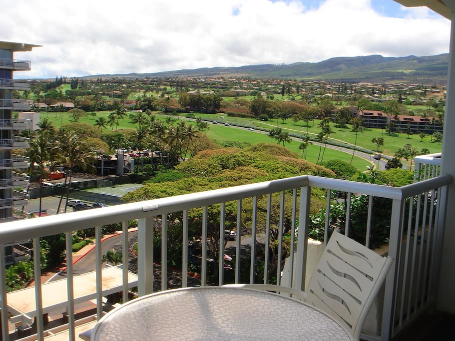 Enjoy your morning coffee on the lanai with the West Maui Mountains to your right side.