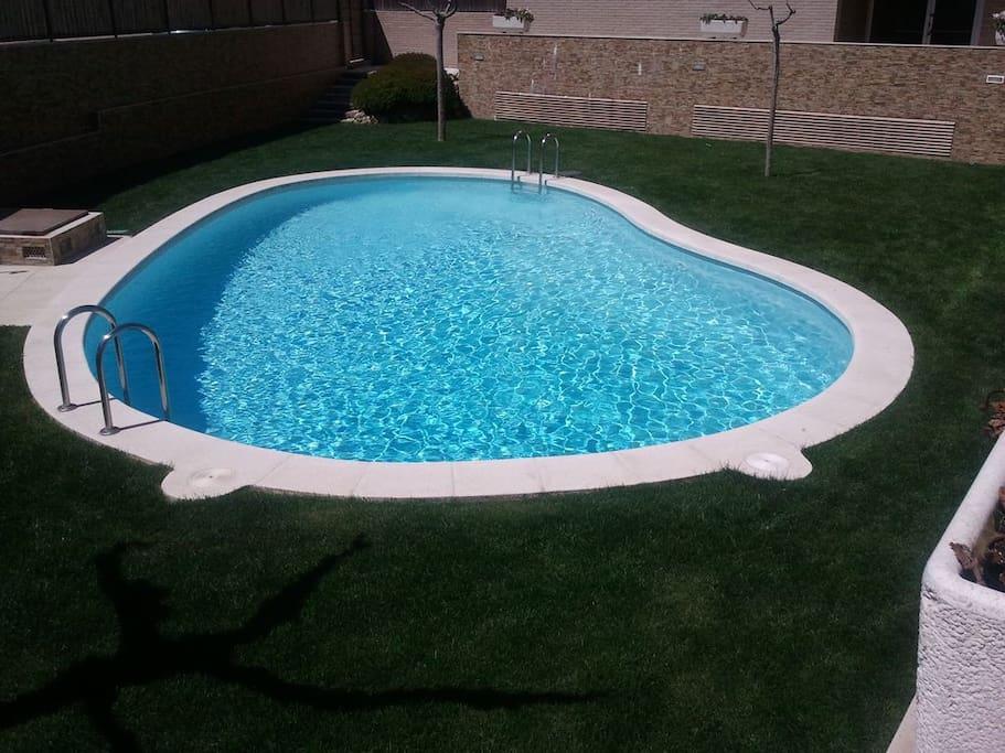 la piscina es comunitaria