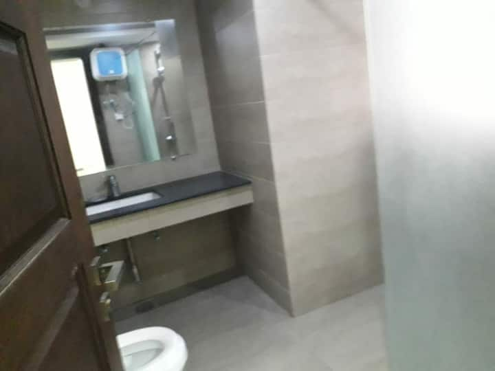 Luxury 3 bed furnished in river hill 5k per day