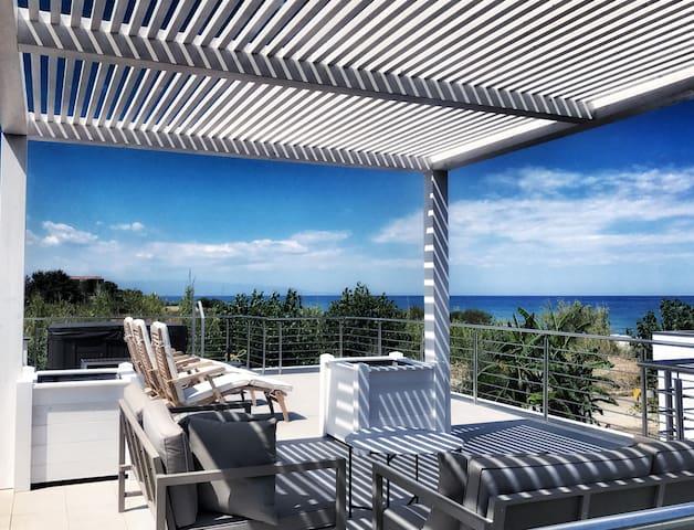 Luxury Villa 50mt dalla spiaggia + outdoor Jacuzzi