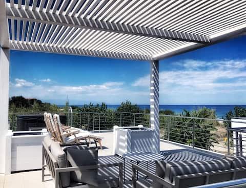 Luxury Calabria villa on the beach outdoor jacuzzi