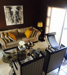 Stylish Private Apartment Rocky Crest. - Windhoek