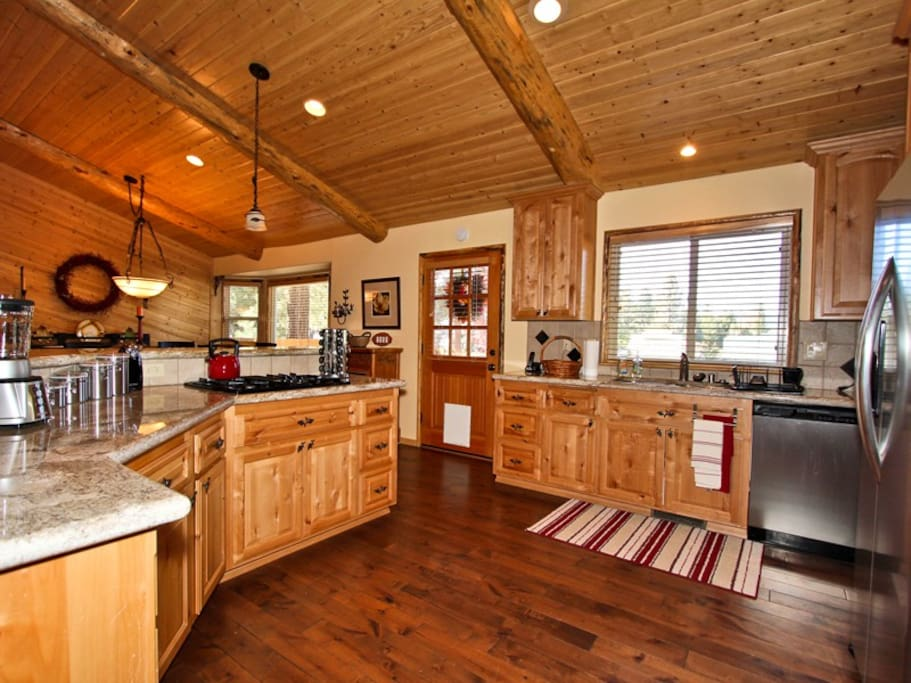 Incredibly spacious chef's kitchen with all the gourmet accessories and supplies!
