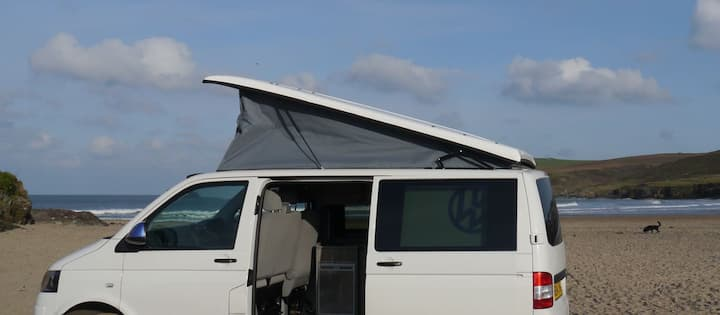 Yorkshire Camper Hire - 4 berth VW T5 Camper 2