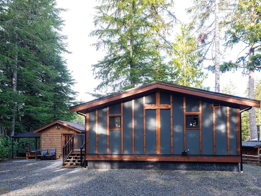 The Cottage, Bunkhouse & Hot Tub.