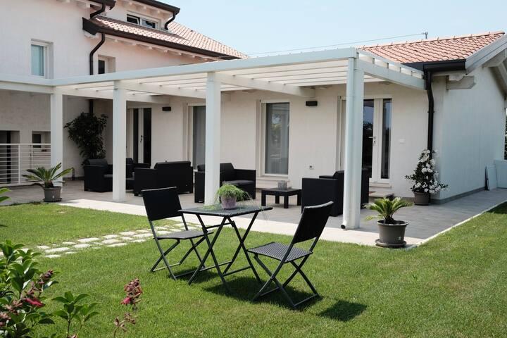 Cozy flat between the sea & the Venetian lagoon 1