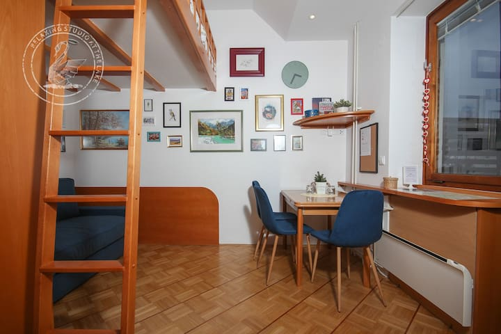 ★ By the Lake, Bright, stylish place, 50m-bus  5/7