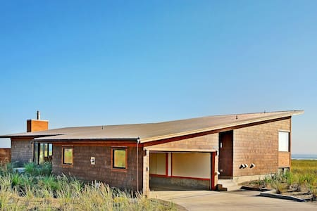 Jaeger Beach House 520 - Westport