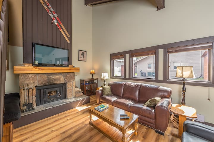 Big Sky Glacier Condo - New listing!