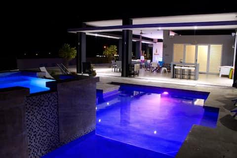Casa Blū: Relaxing Ocean View, w pool Home