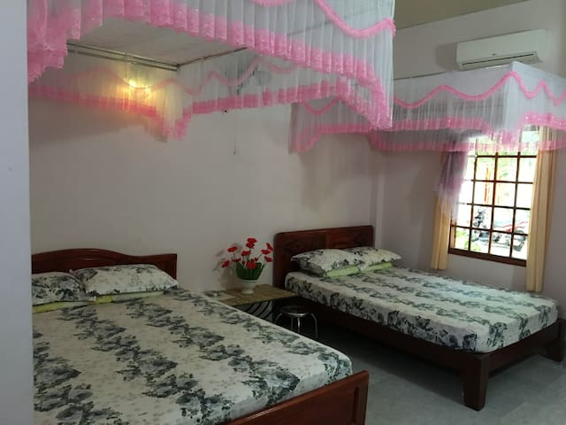 Duc Thao Guesthouse - GROUP ROOM