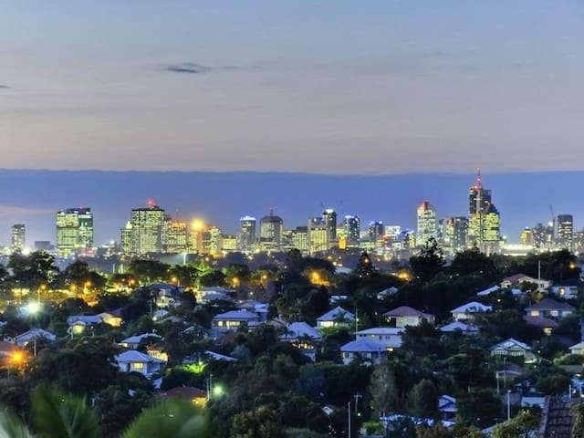 Inner City Living 2 Bed 2 Bath Perfect Location - Moorooka - อพาร์ทเมนท์