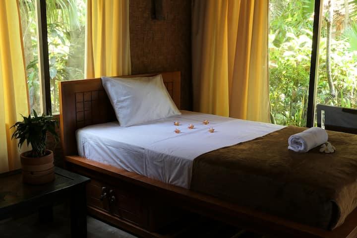 #3 Jembrana Bali Homestay - Twin room w/ fan