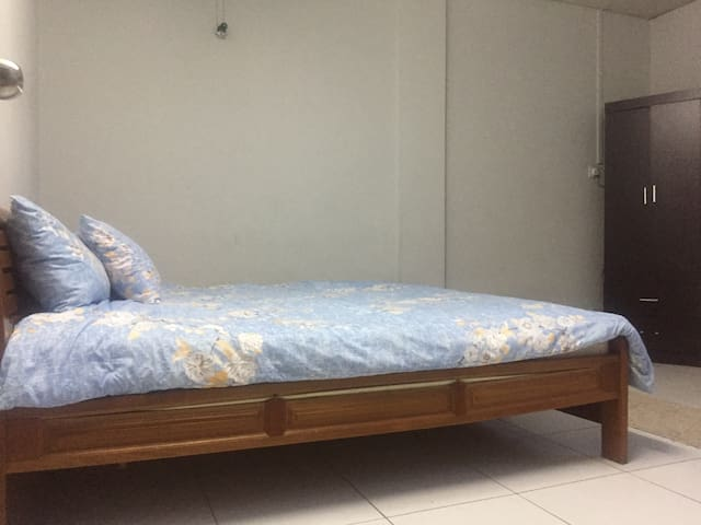 Nice & very comfortable couple room near main road