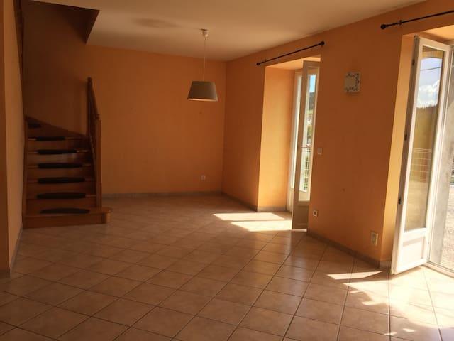 Maison familiale - village de Coucouron en Ardèche