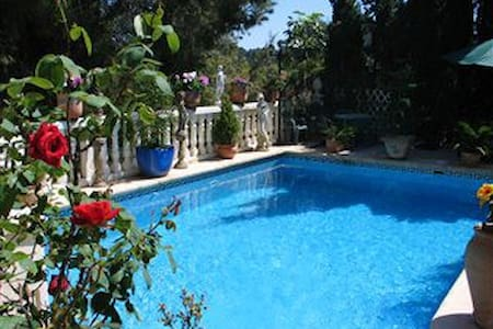 A delightful villa with pool - Real de Gandía - Huis