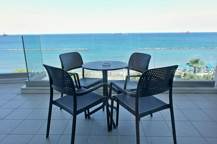 Luxury front sea view 2 bedroom apartment SAPPHIRE