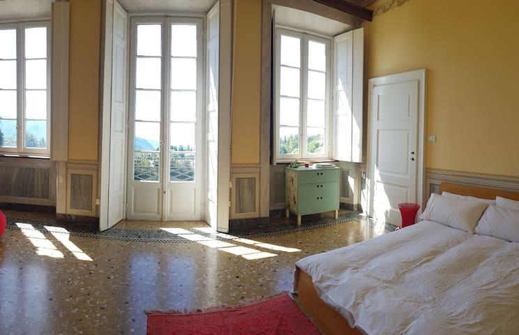 Fantastic spacious room with balcony at Villa!!!