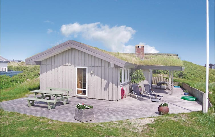 Holiday cottage with 3 bedrooms on 78m² in Fanø
