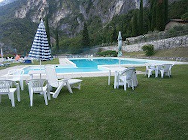 Studio overlooking the lake with swimming pool 3 - Riva del Garda - Apartment