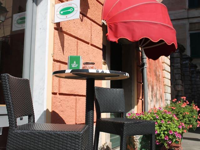 Antico caffè del  Moro affittacamere camera gialla