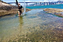 Morro do Moreno, piscina natural - 1km