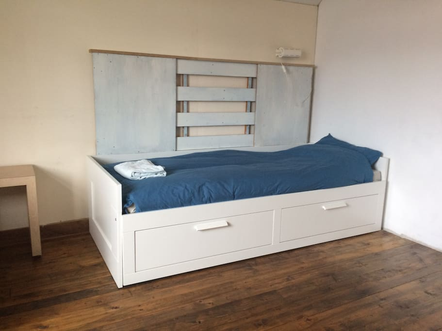 Single bed or double bed.