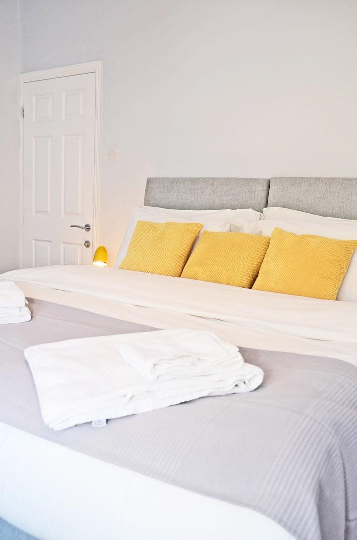 Northwood Park East - 4 Bedroom, 2 Bath, Sleeps 6