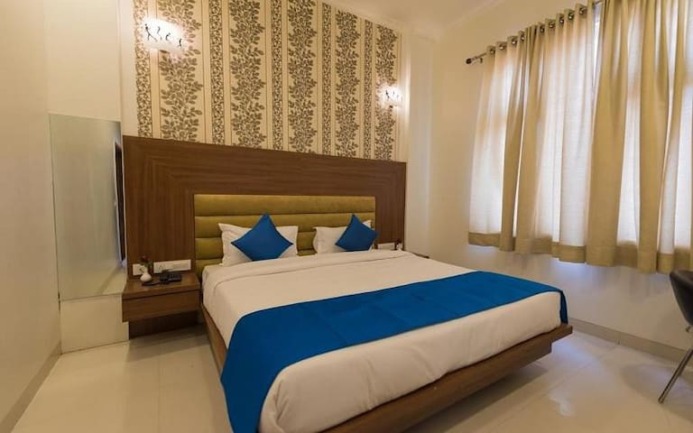 Stay at Super Deluxe facility with accomodation only @ Mansarovar, Jaipur