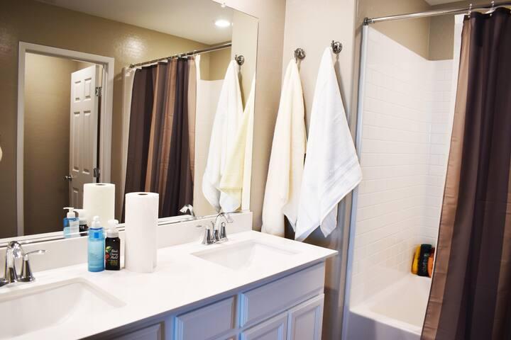 Inside room Luxury Bathroom & Restroom