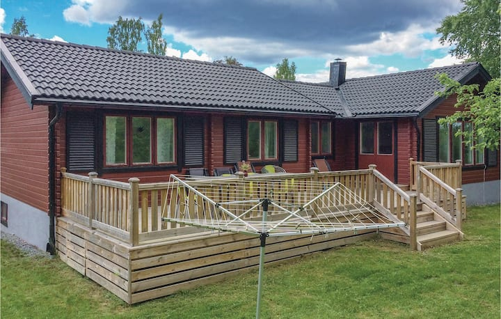 Nice home in Flen with Sauna and 5 Bedrooms