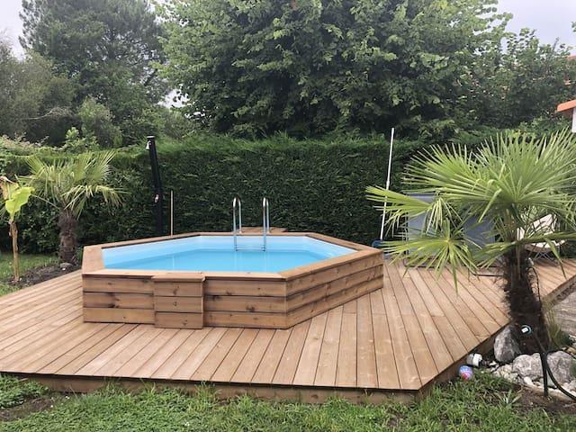 Petit Studio Le Porge avec piscine