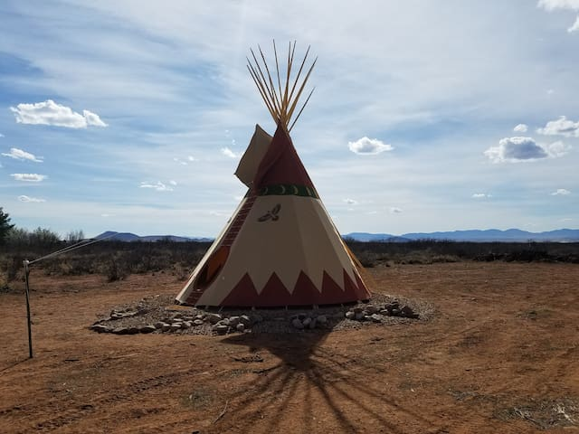 Tipi Camping near Chiricahua National Monument 2