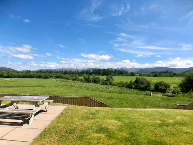 Calluna Cottage, Aviemore -amazing view & location