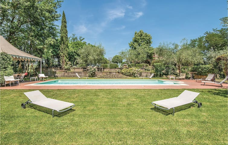 Holiday cottage with 4 bedrooms on 130m² in Vitorchiano (VT)