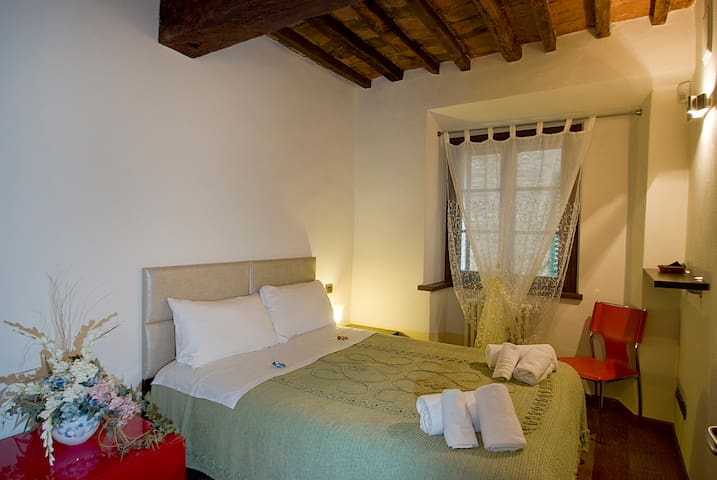 B&B Vicolo dell'Oste Suite for 4 with 2 rooms