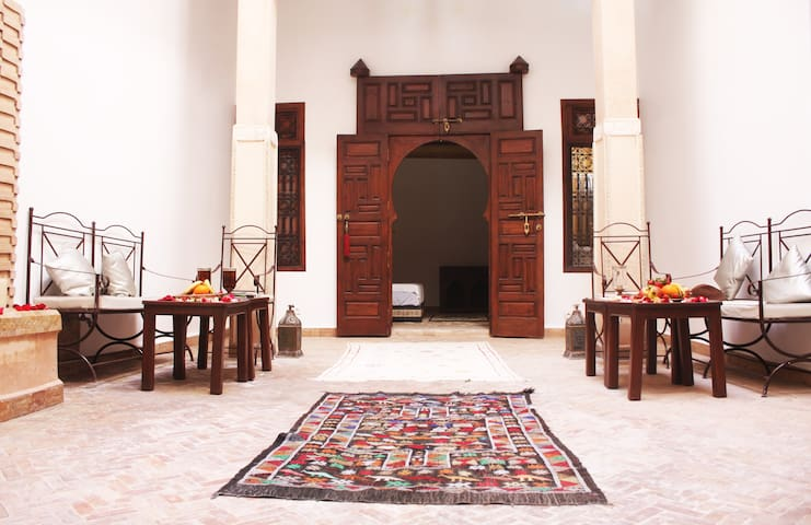 Room in a Riad really near thé big place. - Marraquexe - Bed & Breakfast