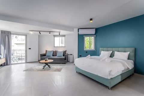 Port area - Charming studio with balcony