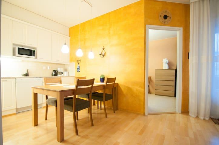 Kotimaailma: 1BR apartment near harbor + sauna