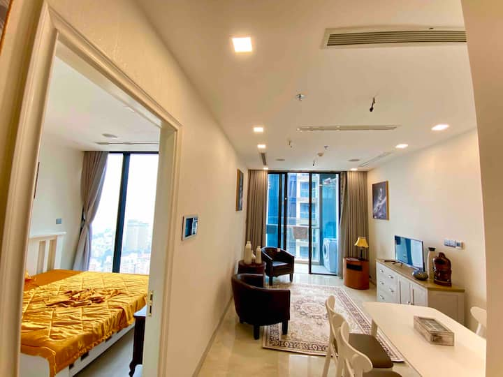 Kim Apartment Vinhomes Golden River on 47 floors.