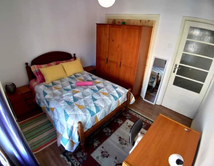 Quarto duplo Centro Coimbra  Double room in Center