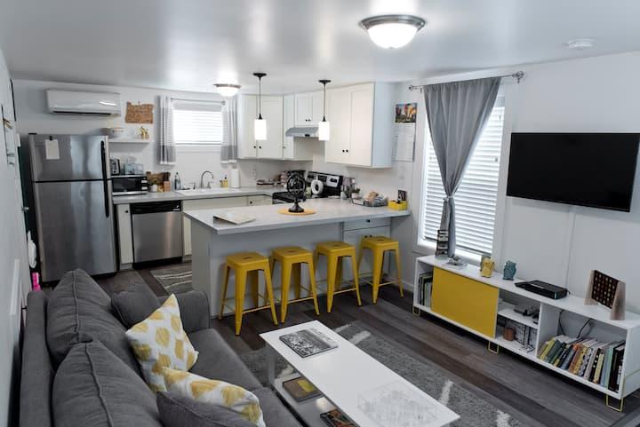 Nestled Inn PDX: 2 bedroom 1 bath private home