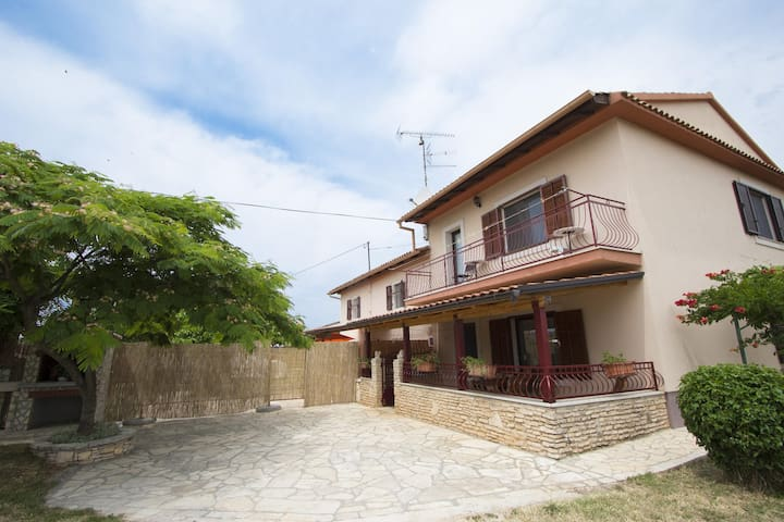 House for 4+1 pers with pool in Rovinj R52221