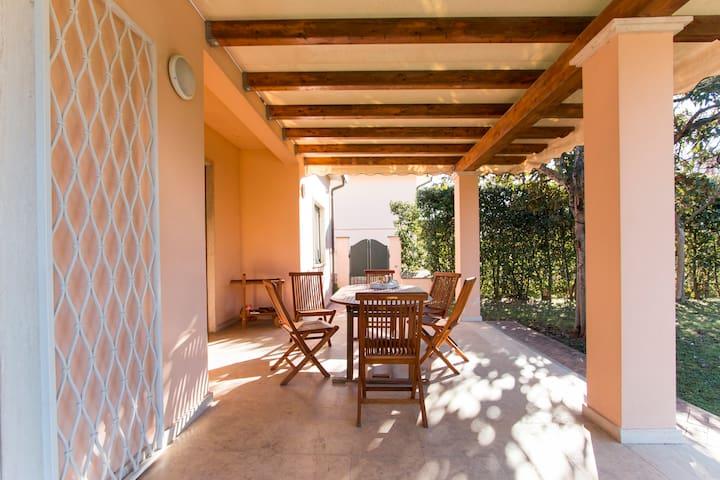 patio vivibile anche in pieno inverno nelle giornate di sole