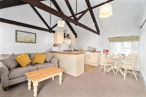 Relax at Mill Cottage in Marldon, Paignton, Devon