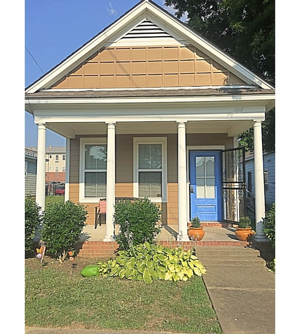 2 Bedroom Houses For Rent In Memphis Tn: PRIVATE BLUE DOOR COTTAGE NEAR DOWNTOWN & MAIN ST