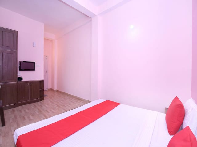 OYO - 1BR Hillview Home Stay,  Shimla On Sale!!