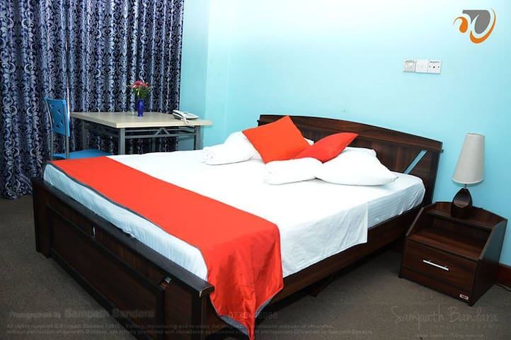 Windswood City Hotel - Kurunegala - Bed & Breakfast