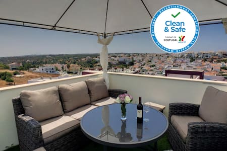 Apartment Alpha -Private Roof Terrace with Hot Tub